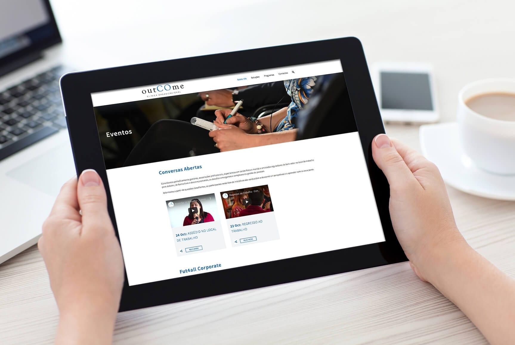 Maquete do site empresarial outCOme para tablet